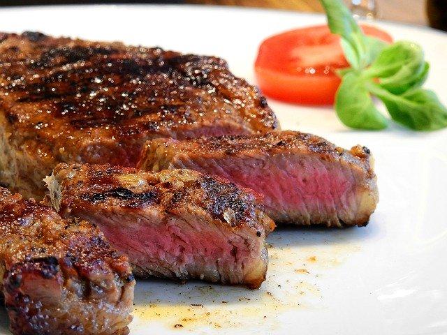 Ako vybrat kontaktný gril na steak