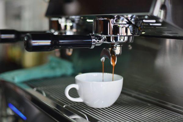 kvalitný pákový kávovar