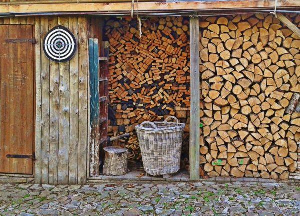 kotol na drevo uhlie brikety