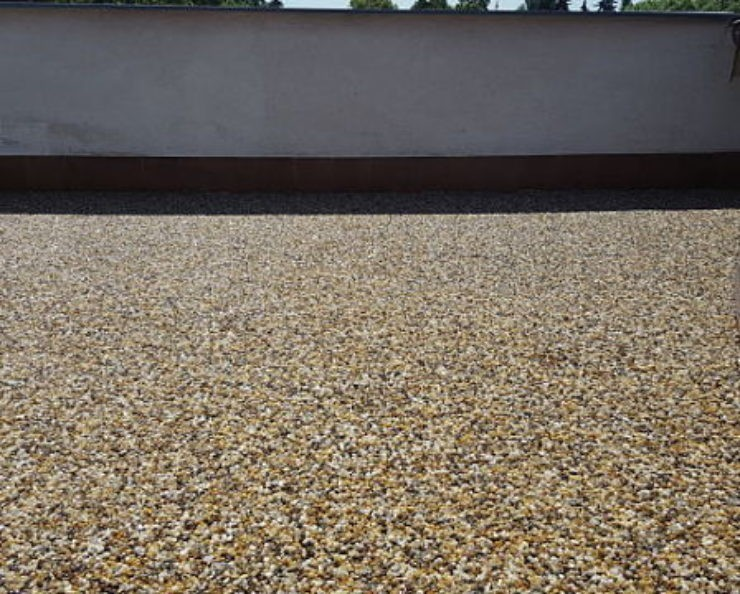Kamenný koberec na balkóně