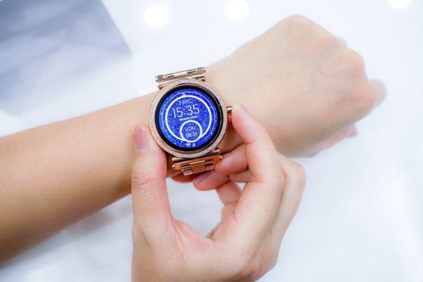 Ako vybrať dámske smart hodinky