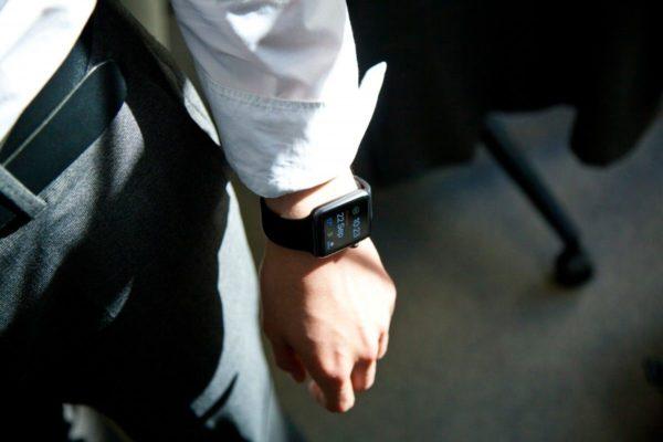 ako vybrať pánske smart hodinky