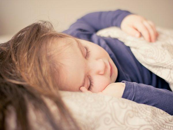Ako zvlhčiť vzduch bábätku