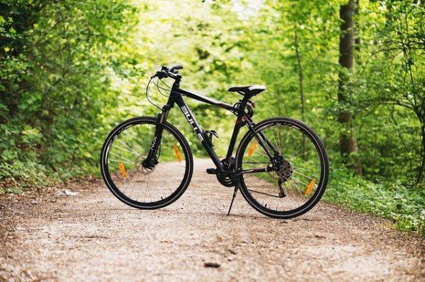 svetlo na bicykel jazda v teréne