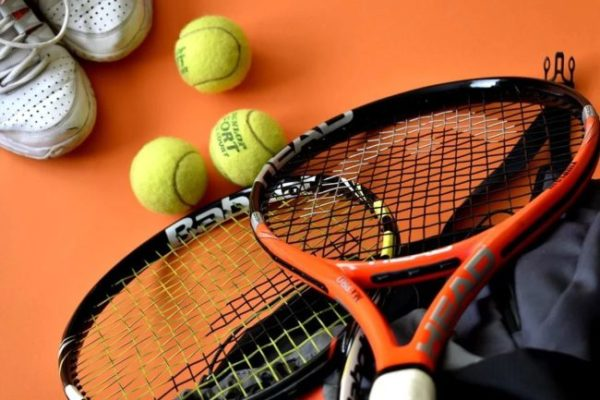 tenisová raketa head