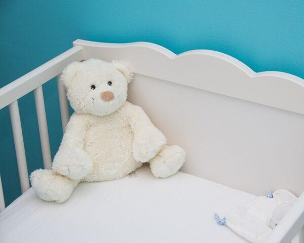 ako vybrať matrac do detskej postieľky