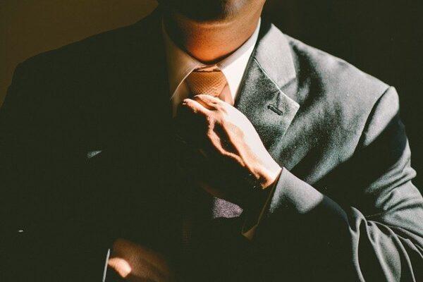 Ako vybrať nemého sluhu na oblečenie