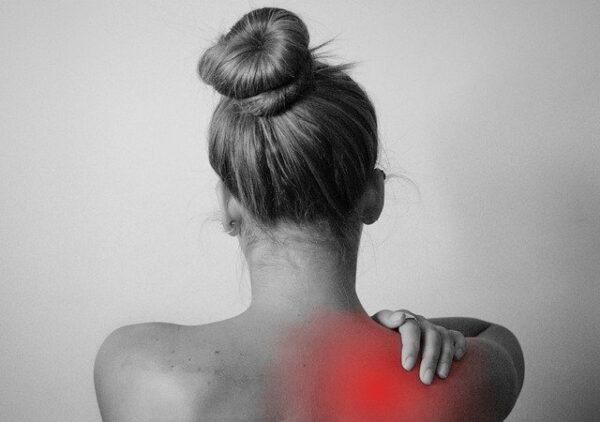 bolesť chrbta masáž