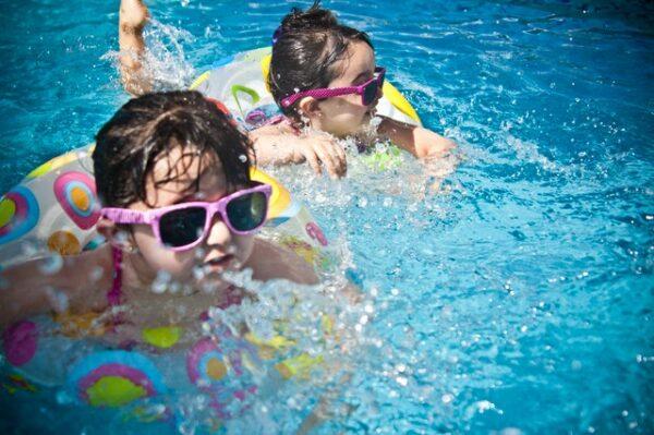 deti kúpanie v lete