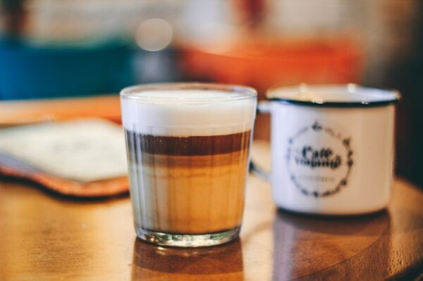 káva s mliečnou penou